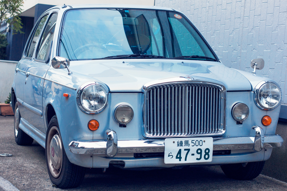 turquoise japanese car, tokyo, japan