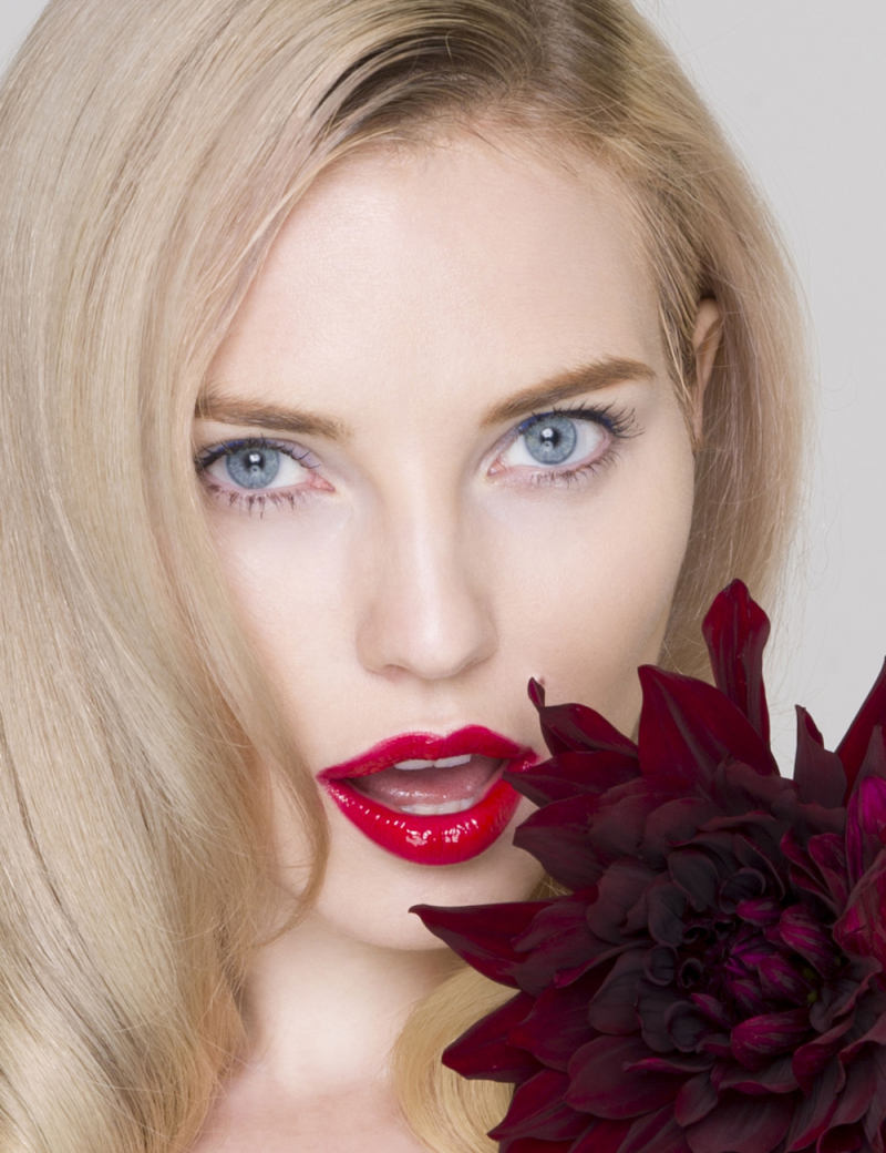 Photographer Hisako Hagi, model, beauty shoot, flower, red lips, Elle
