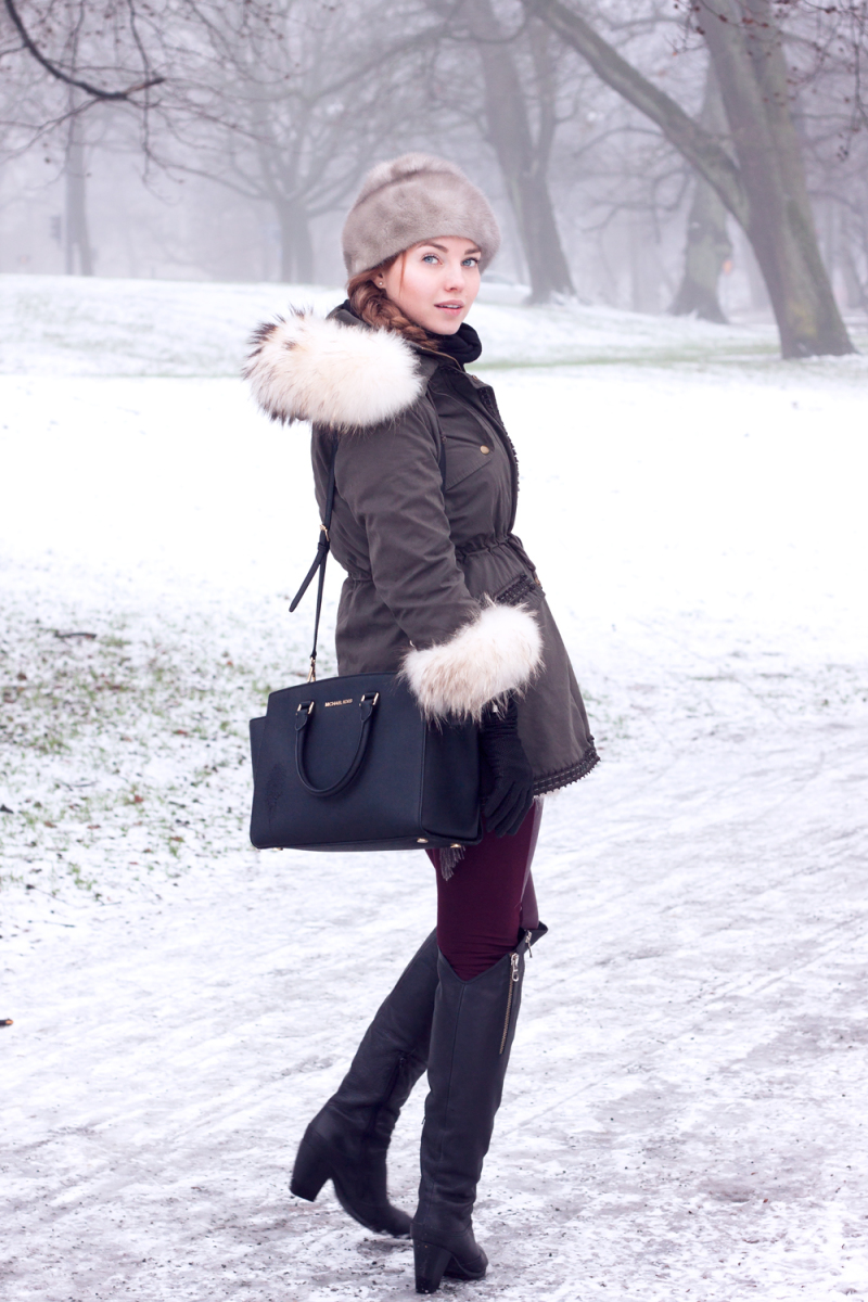 Snowy Gothenburg, Sweden. Fur, Michael Kors bag, Snowy.