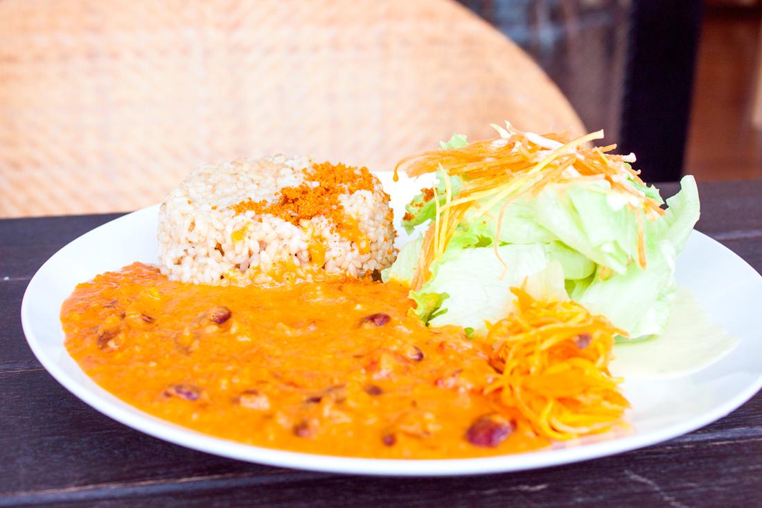 Vegan restaurant okinawa, japanese vegan restaurant, tames vegan restaurant okinawa, japan, japanese vacation, okinawa, vegan soft serve, vegan curry