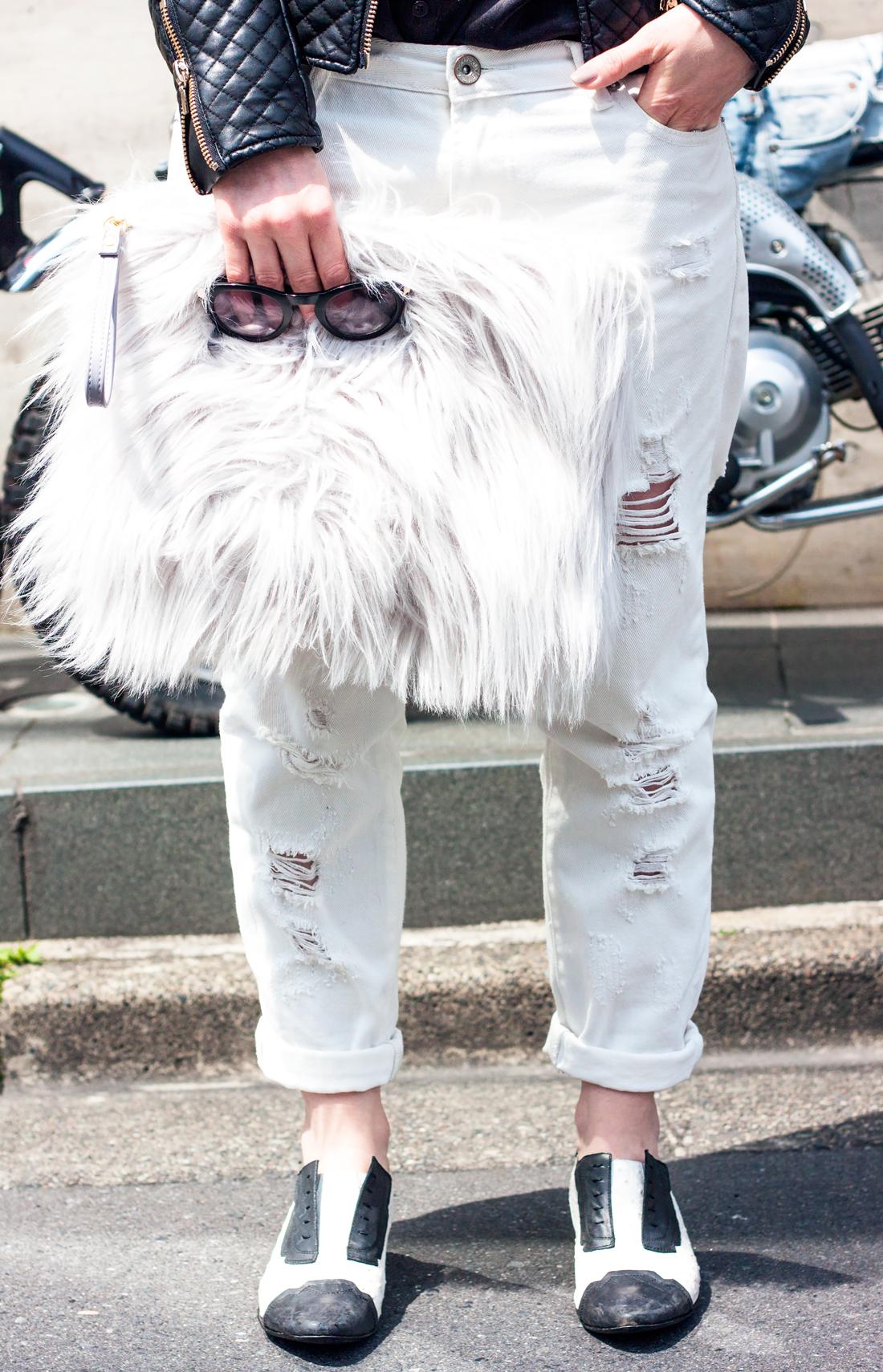 omotesando tokyo, tokyo fashion, faux fur clutch, motorbikes tokyo, grey fedora felt hat, white boyfriend jeans, japan fashion, tokyo fashion blog