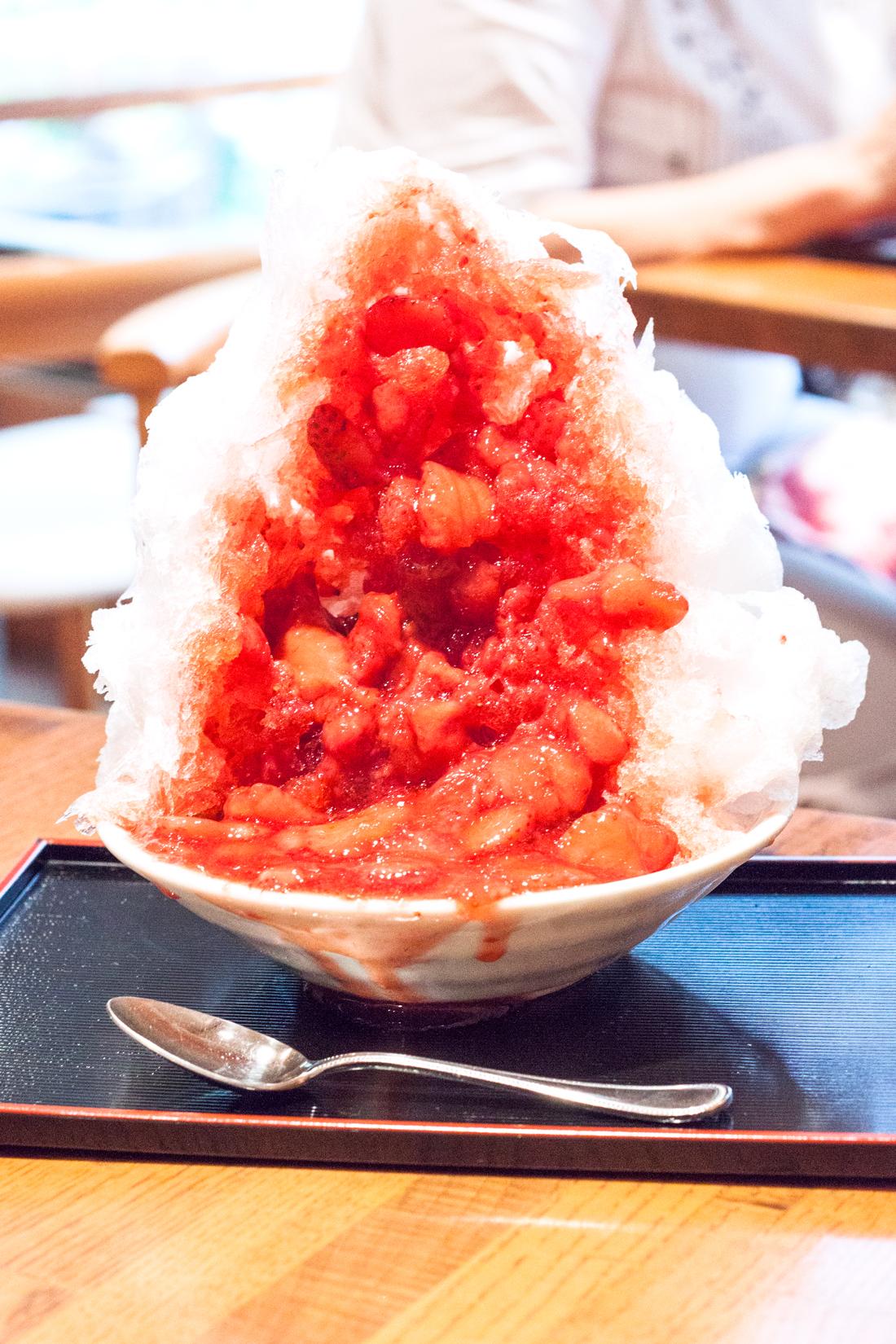 Shimura mejiro kakigori, strawberry kakigori, matcha green tea kakigori, sake kakigori, azuki bean kakigori, mochi kakigori, japanese dessert, japan, tokyo, japanese restaurant