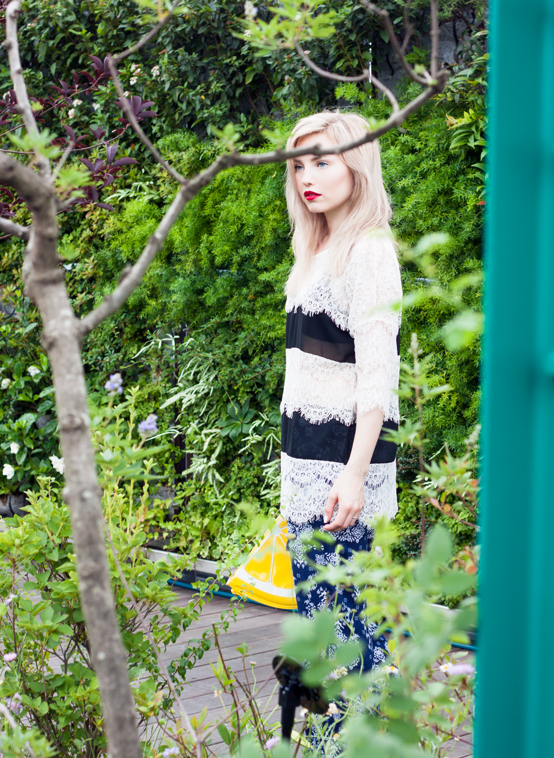 lemon clutch, lemon, japan, tokyo, tokyo fashion blog, face stockholm lipstick, seibu rooftop, red lips, tokyo summer