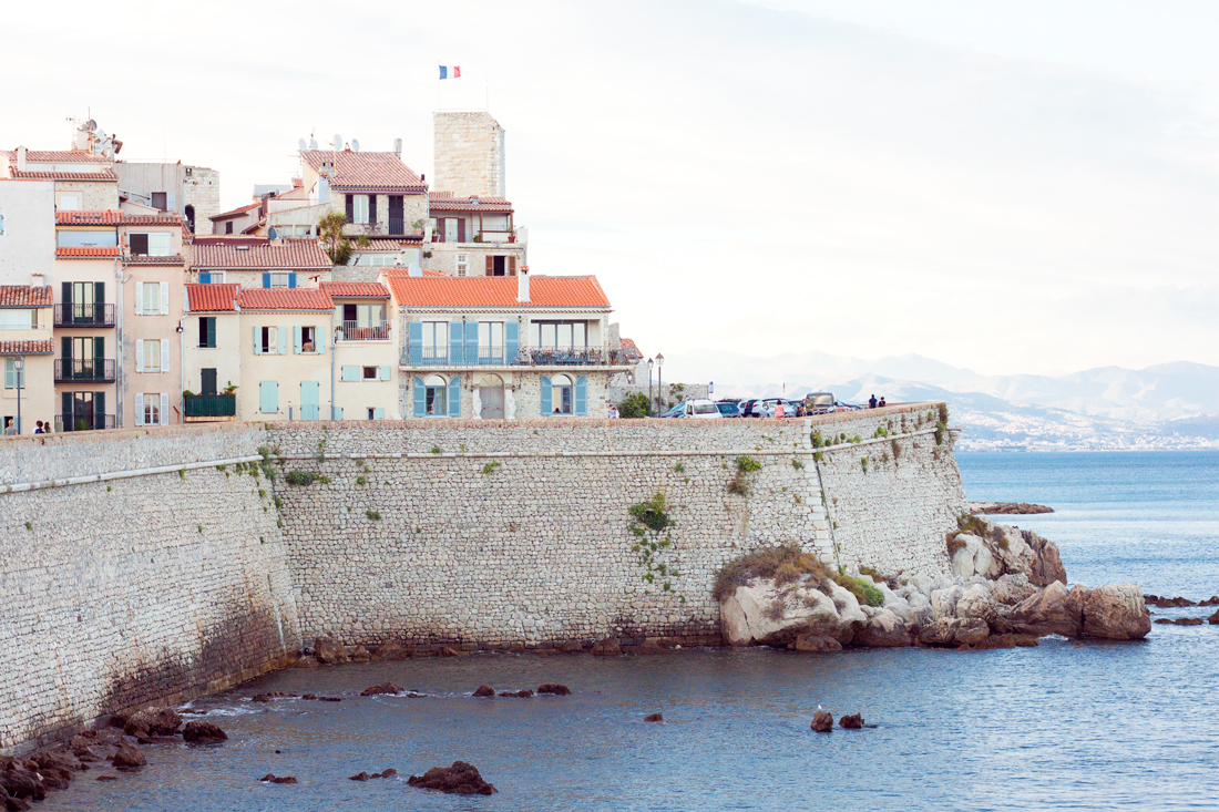 Old town antibes, antibes, french riviera, france, france vacation, french windows, tokyo fashion blog, travel and fashion blog