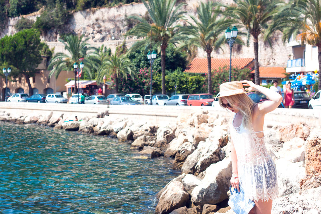 villefranche-sur-mer, france, french riviera, franska rivieran, french fishing village, french houses, boat hat, french lace, travel fashion blogger