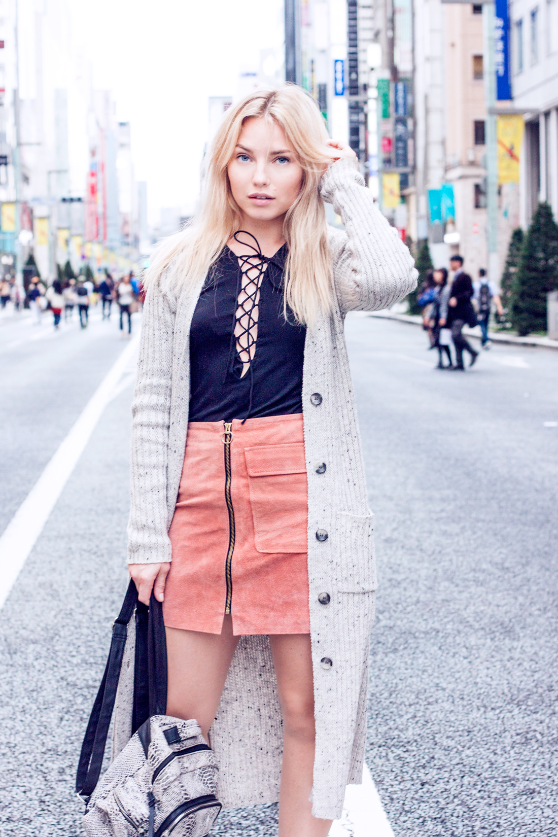 Lace up top, suede skirt, croco backpack, ginza chuo dori, tokyo fashion, tokyo fashion blog, tokyo travel blog, tokyo sightseeing, knits tokyo, japan, ginza tokyo, japanese umbrella, wagasa umbrella