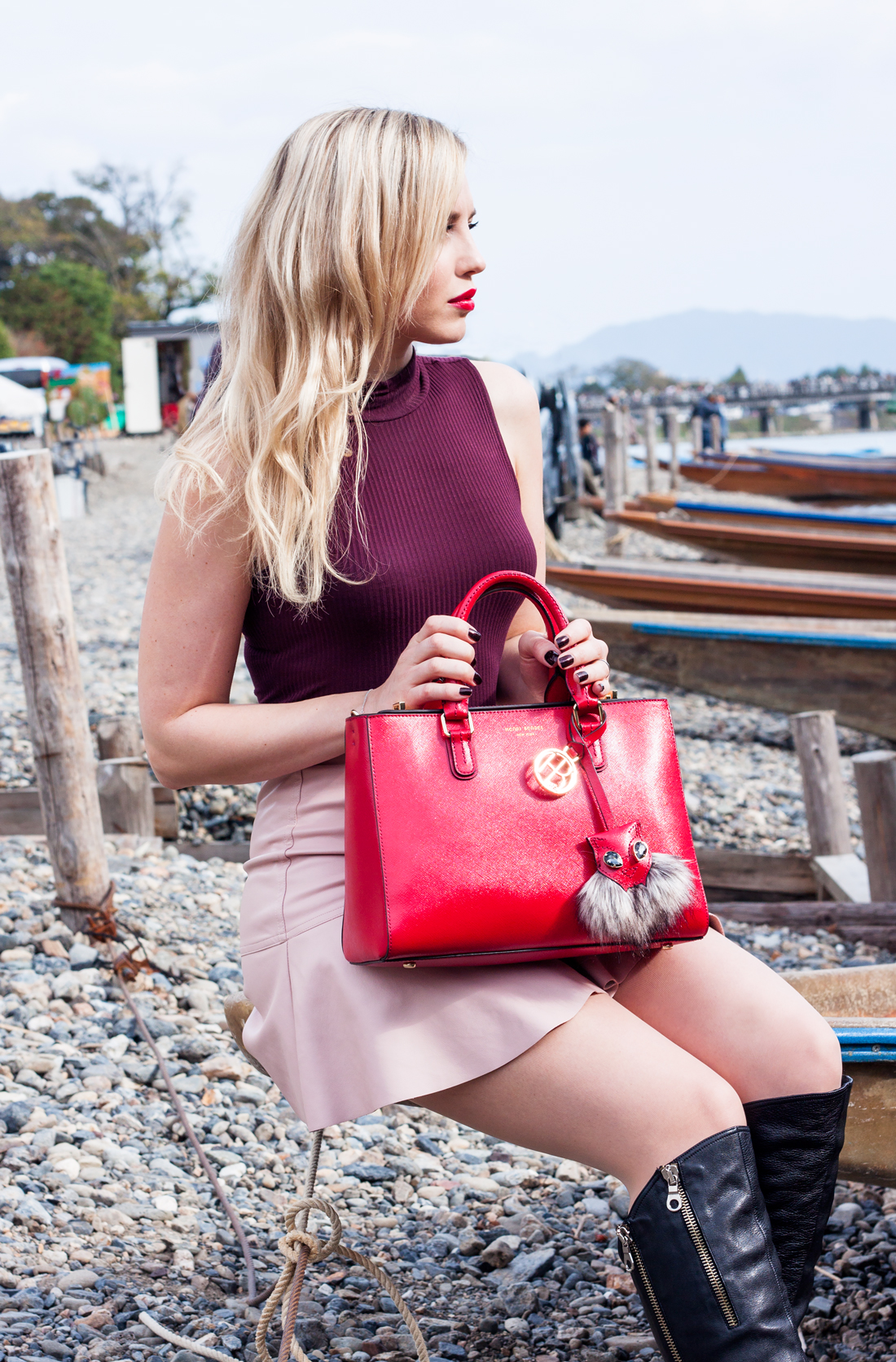 Henri Bendel Fall 2015, Henri Bendel bag, Henri Bendel accessories, Henri Bendel red bag, Henri Bendel collaboration, RewardStyle, Red bag, Kyoto,Arashiyama bamboo grove, kyoto river, kyoto fall, japan, japan sightseeing, Arashiyama, japanese carriage kyoto, kyoto boat, japan fashion blog