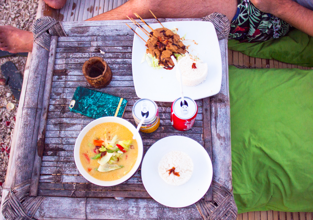 Gili air sunset, gili air island, gili air island sunset, bali sunset, gili air beach, gili air restaurant, gili air beach club, gili air bar, gili air lucky's, bali vacation, bailies food, indonesian curry, Sayur Lodeh, gili air vegetarian, gili air beach restaurant, bali vacation, travel blog