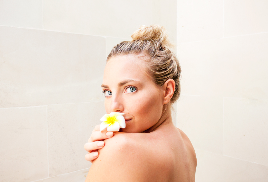 bali, ubud, ubud spa, bali vacation, ubud villa, bali travel, cherryblossomstreet, travel blog, beautiful bath tub, travel blogger, bali vacation spa, sunkissed skin