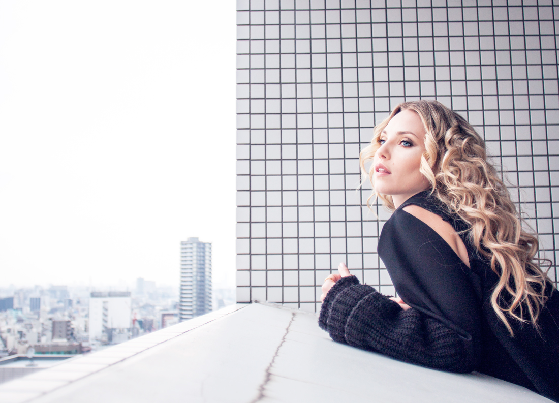 green jumpsuit, sexy jumpsuit, fit vegan, fit girl, squats, military green jumpsuit, tokyo, japan, tokyo fashion, curly hair, small curls, curls, rapunzel of sweden clip in set, tokyo balcony, japan balcony, fashion 2016, ootd, outfit, neopren jacket, neoprene and knits