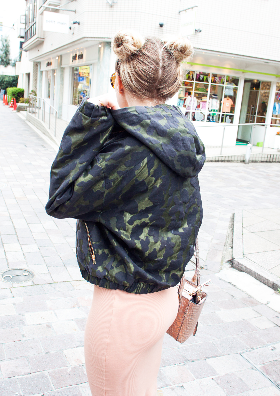 space buns, two buns hairstyle, space buns hairstyle, camouflage bomber jacket, jiyugaoka, henri bender bag, nike max air, nude dress, double choker, hairstyle 2016