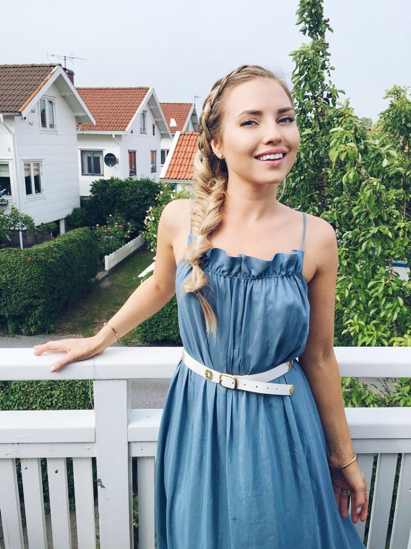 Swedish archipelago, bohus malmön, swedish midsummer, blue hm dress, mixed braid, fishtail braids, bubble braid, swish island, bohus malmön midsummer, bohus malmön midsommar,, swedish summer island