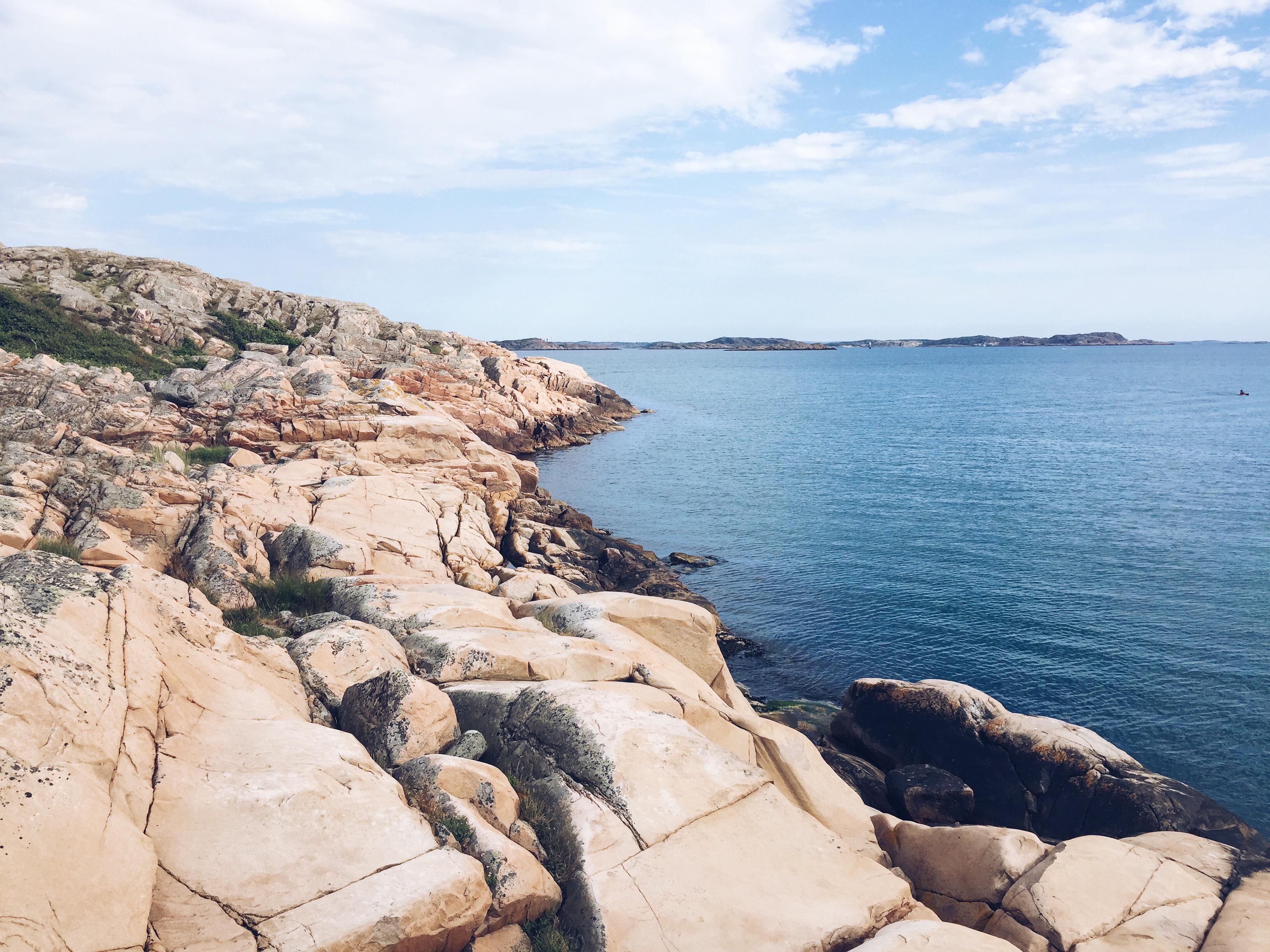 Swedish archipelago, bohus malmön, swedish midsummer, blue hm dress, mixed braid, fishtail braids, bubble braid, swish island, bohus malmön midsummer, bohus malmön midsommar,, swedish summer island